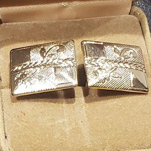Vintage gold tone rectangular cufflinks